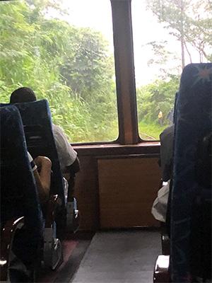 スリランカ鉄道車内風景